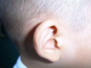 Virová nebo bakteriální infekce ucha