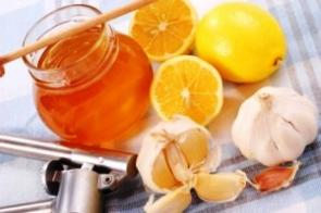 Česnek, citrón a med