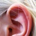 Co znamená svědění v uších